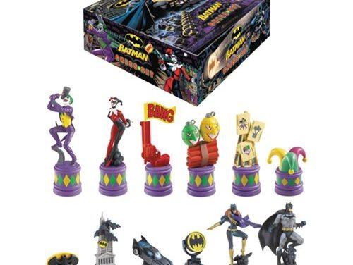 Batman Dark Knight vs Joker Chess Set