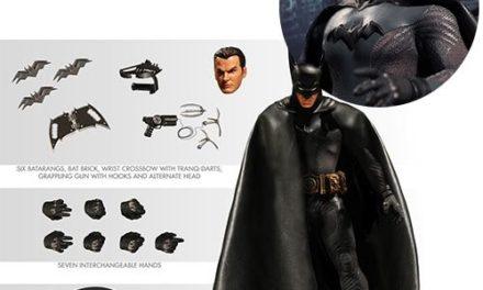 Batman Ascending Knight One:12 Collective Action Figure – Gray Suit