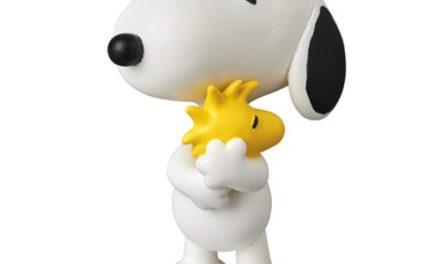 Peanuts Snoopy Holding Woodstock UDF Mini-Figure