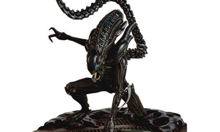 Alien and Predator Mega Xenomorph Warrior Special Statue with Collector Magazine #9 – Free Shipping