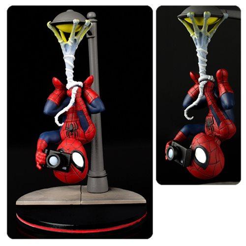 Spider-Man Spider Cam Q-Fig Figure