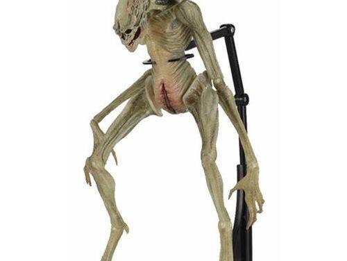 Aliens Alien Resurrection Newborn 7-Inch Scale Deluxe Action Figure